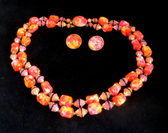 Hong Kong Necklace Earrings Set, Vintage Marbled Jewelry Set, Pink Orange Double Strand Necklace, Button Clip-on Earrings, Demi Parure