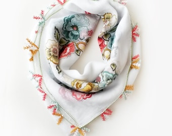 White floral scarf - Gift for mother Mothers day gift Mothers day Boho scarf Turkish scarf Turkish oya scarf Yemeni scarf Square scarf