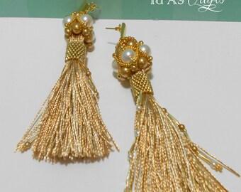 Long tassel pearl earrings