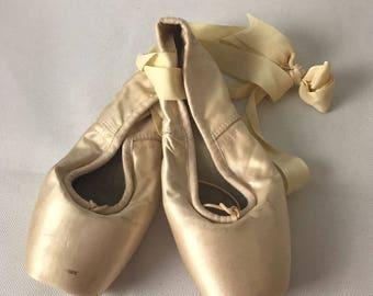 Points Ballet Shoes