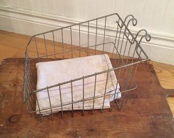 Wire basket/hanging wire  basket