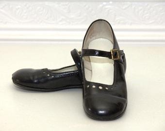 Black  Mary Jane dress shoes
