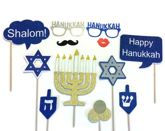 Hanukkah Photo Booth Props- 12 Piece Set- Holiday Photo Booth with Glitter - Photo Booth