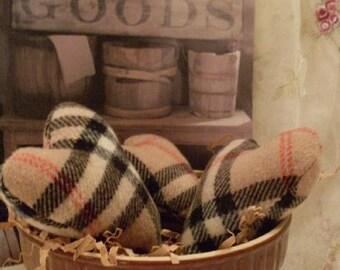 Hearts Set of 3 Plaid Country Primitive Folkart Thewarehouseshelf Collection We Ship Internationally