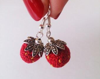 Wild strawberry earrings for pierced ears - Height : 4cm