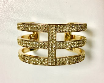 Precious Metals - Gorgeous Gold shinning bracelet
