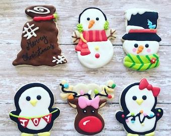 12 Christmas sugar cookies