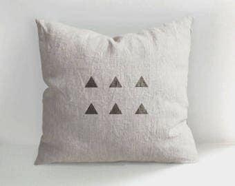 Triangle pillow - Hand Drawn Linen Pillow - Decorative Pillow Cover - Triangles - Cushion - Natural linen - Linen cushion