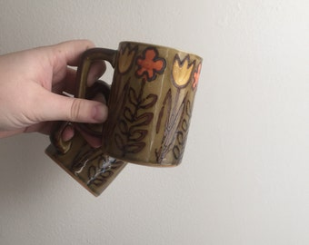 1970s Handmade Flower Power Mug Set // Vintage Set of Mugs
