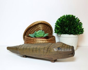 Wood Alligator Figurine, Vintage Crocodile, Hand Carved Wood Decor, Wood Animals, Accents, Boho Decor, Reptile Lover Gifts for Her Him