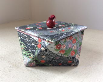 Cute c1950s Japonaise Japanese Style VINTAGE Paper-covered Cardboard Jewellery Jewelry TRINKET BOX