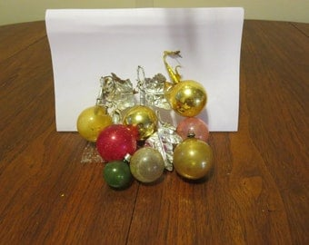 lot 8 vintage 1920s 1930s 1940s glass Christmas tree ornaments decorations silver foil paper leaves gold pink red green