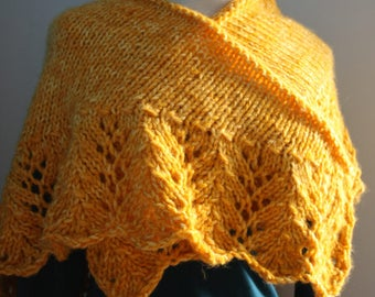 Shawl gold to edge of lace button