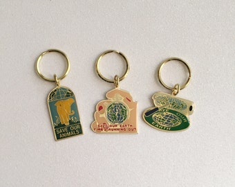 VTG Save Our Animals  / Save Our Earth Keychains