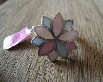 Sterling Silver Pink And Blue MOP Flower Ring Size 8 (899)