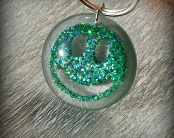 Resin Keyring , glitter Smiley in Resin Keychain , glitter Keychain , Smiley glitter Keychain