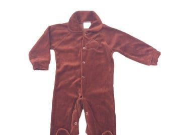 Vintage brown velour apple sleepsuit suit Baby Romper 6-9 months