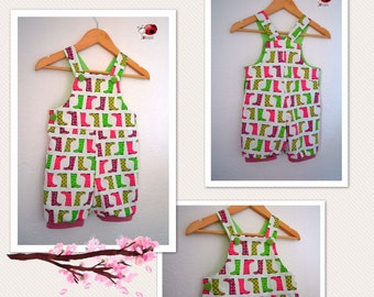 Girly romper with short legs and colorful print
