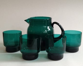 Midcentury Modern Emerald Glass Pitcher with 4 Drinking Glasses