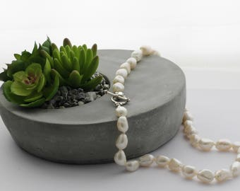 Statement Pearl Necklace - FREE SHIPPING In Australia - Freshwater Irregular large Pearl Necklace - Bridal Jewellery -  Code: KTC-283