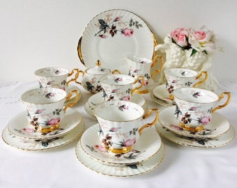 Royal Imperial Pink Rose Tea Set, 21 Pieces, Staffordshire, 1960s.