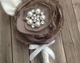 Shabby chic-flower eyelet groom boutonnière