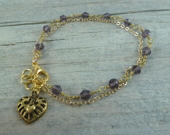 Zartes Armkettchen mit Herz und Perlen goldfarben lila