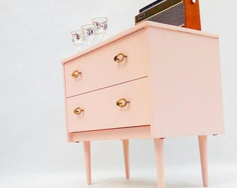 Chest of Drawers/ Mid Century Dresser /Blush Pink /Vintage Chest of Drawers / Side Table / Media Console/ Dressing Table/ Bedside Table