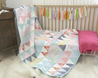 zakkStudio Modern Pastel Quilt/Handmade Qulit/Quilt for Girls/Triangles Quilt/CustomSewing