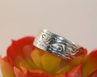 Vintage Loved Tattered and Worn Scrollwork Mans Wide Ring Band Sterling Silver Size 9