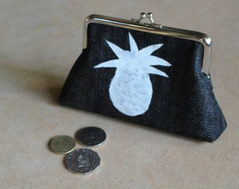 Pineapple Purse with Metal Frame + Clasp