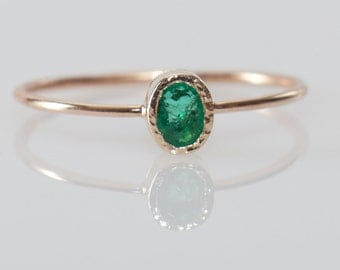 Oval emerald ring in 14k gold, emerald engagement ring, green gemstone ring, unique engagement, dainty emerald ring
