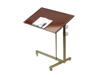 Variett Bremshey reading table