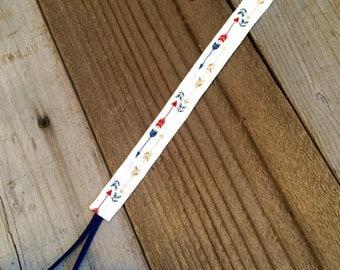 Arrow baby pacifier clip, arrow binky clip, baby boy pacifier clip, baby soothie clip, baby paci clip