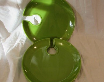 Appetizer Plates, Hors d'oeuvres Plates, Set of Four, Thumb Hole, Vibrant 1970's Green, Melamine
