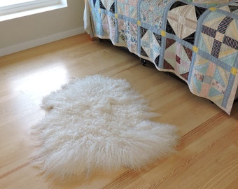 Medium New ANGORA Wool Long Haired Goat WHITE Throw Rug w/ Thick Pile for Southwest Ranch Rustic Decor (very high quality)