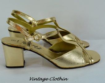1960s/1970s Pretties Gold T Strap Sandals with a 1920s look, 1960s does 1920s Sandals, 1920s sandals, 1970s sandals,  1920s shoes, Sandals