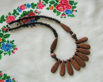 Wooden necklace/ short beaded necklace/ natural wood jewelry/ rustic country folk style/ eco style/ boho hippie/ brown chestnut petals