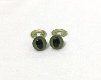 15mm Cat/reptile shape Plastic Eyes, Safety Eyes for Stuffed Animals, one pair, 2 eyes and 2 washers, Green