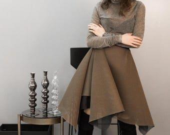 Golden Neoprene skirt. Classy and fashionable skirt.