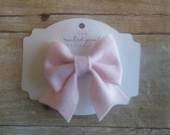 The Nora Bow