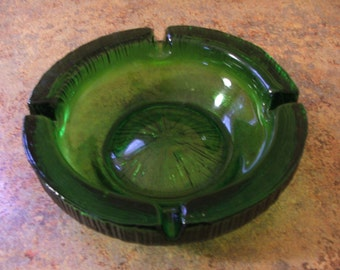 Vintage 1970s Mid-Century Modern Blenko Glass Emerald Green Ashtray
