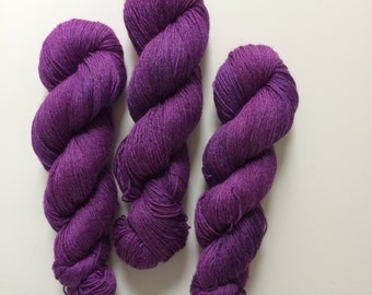 New edition Woolverine Hand dyed sock yarn 4ply finger weight superwash BFL and bamboo 100g. BFL is a British breed.