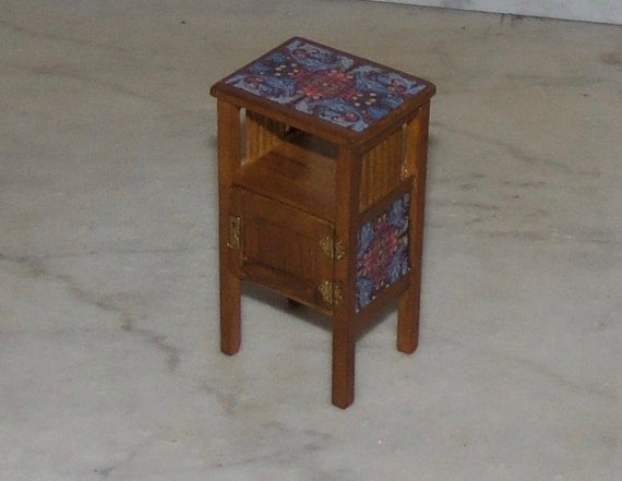 Small side table arts and crafts mission 1 12th for Arts and crafts side table