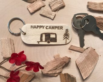Happy camper keychain, camper keychain, camper gift, wooden camper keychain, trailer keychain, tent keychain, camping keychain