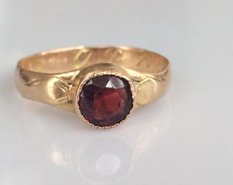 Antique 18K Civil War Garnet Ring  in Yellow Gold