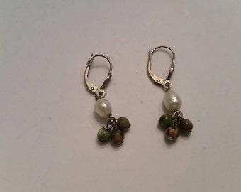 Vintage White Pearl Stone Earings Dangle Drop Jewelry