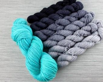 Incremental Shawl Kit - Take a Hike Sock (Grey/Aqua)