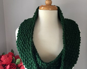 Knit Infinity Cowl - Handmade Seed Stitch Scarf - Emerald Green
