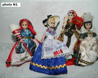 old dolls FOLKLOR, batch of 4.  old little french dolls, set of 4.  vintage
